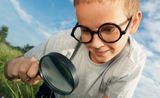 Camp magnifying lens